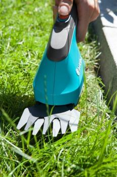 Ножницы для газонов аккумуляторные AccuCut Li с 2 ножами