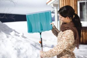 Лопата для снега 40 см с металл. кромкой (В наличии в Новосибирске)_1