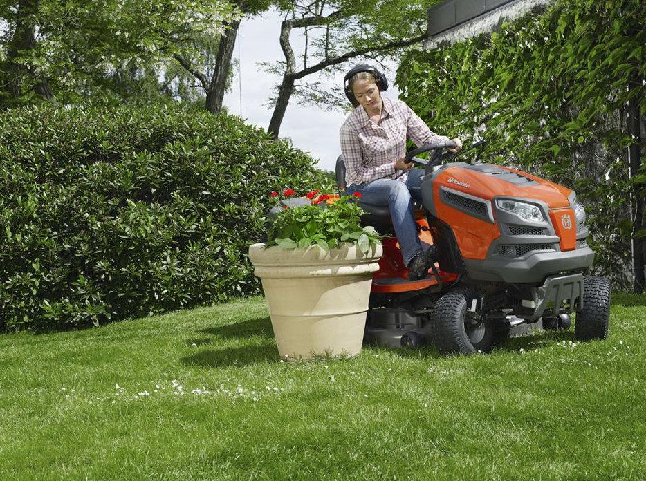 Большое поступление садовых тракторов Husqvarna