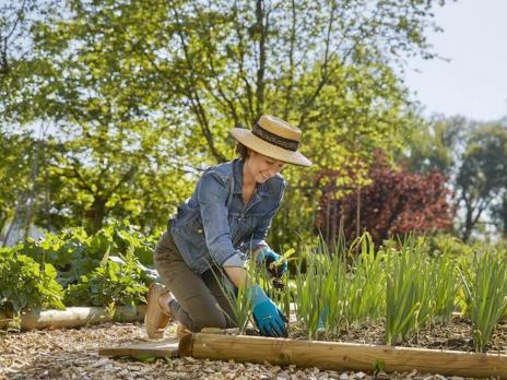 Перчатки садовые для работы с почвой, размер 8 M Gardena